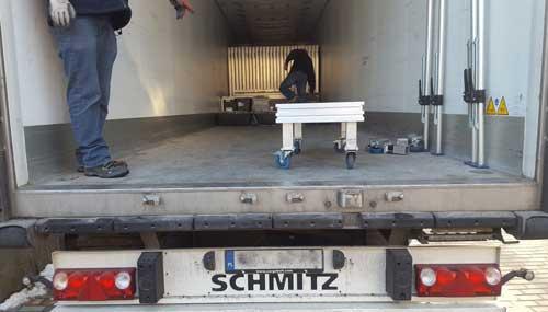 pakowanie podestów scenicznych taxi bagażowego